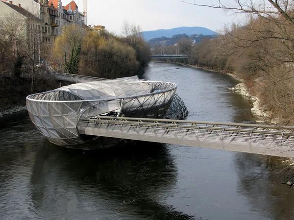 Спиральный мост в Граце