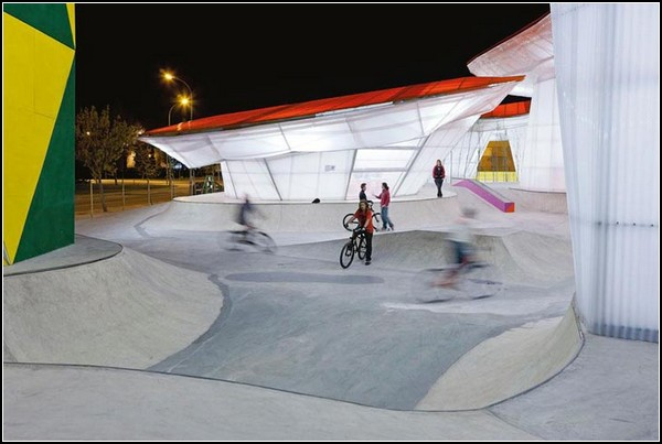 Испанский скейт-парк в китайском стиле