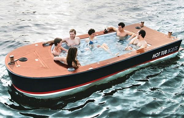 Hot Tub Boat – ванна, которая умеет плавать