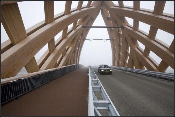 Мост-пирамида