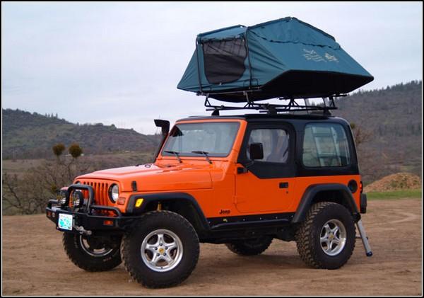 Палатка на крыше автомобиля