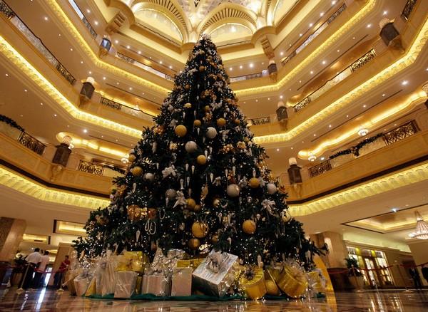 Самая дорогая в мире рождественская елка