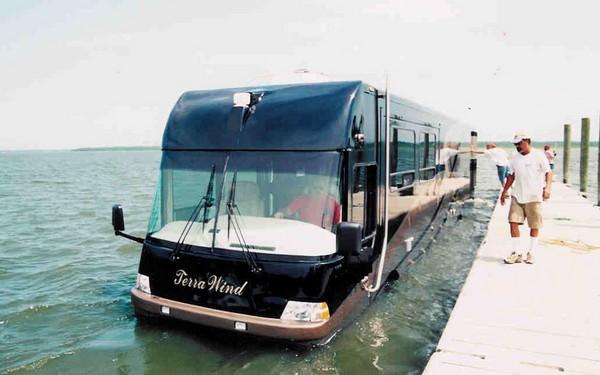 TerraWind –плавучий дом на колесах