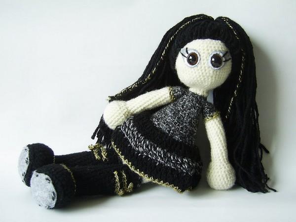 Готические куклы от Хеллы Хевен (Hella Heaven)