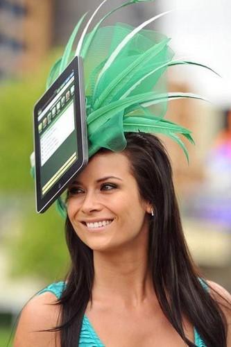 Шляпа в виде iPad