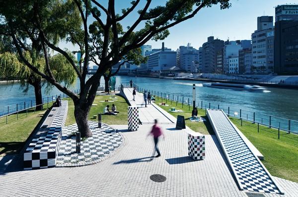 Шахматный парк в Осаке