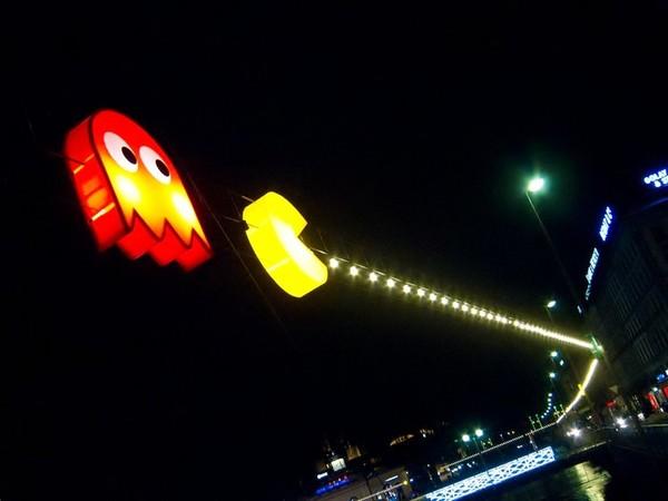 Ну, погоди! Инсталляция в стиле Pac-Man в Женеве