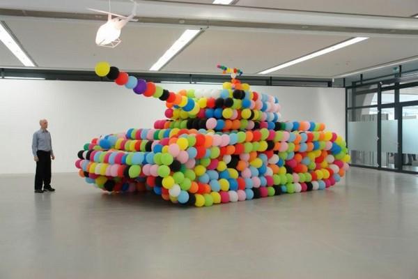 Надувной танк в Кузьминках