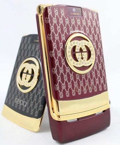 Женский телефон от Gucci