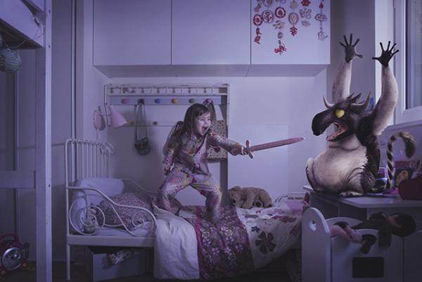 Серия фотографий о детях, сражающихся со своими страхами.