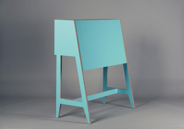 Стол-бюро с современной начинкой.