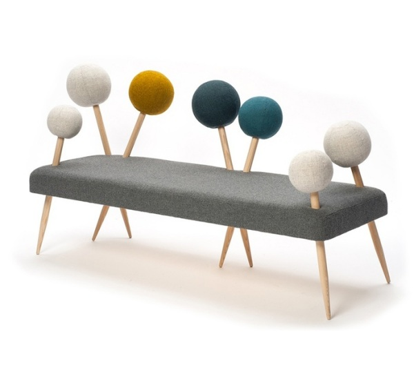 Pinsofa - диван в виде подушечки с булавками.