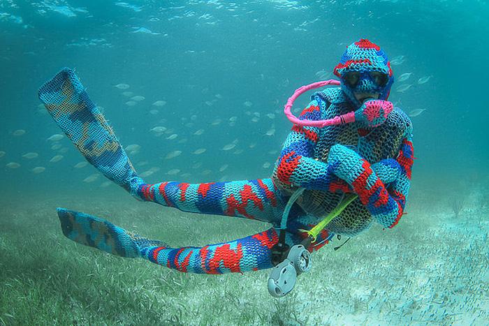 Красивый подводный мир, связанный обычным крючком.