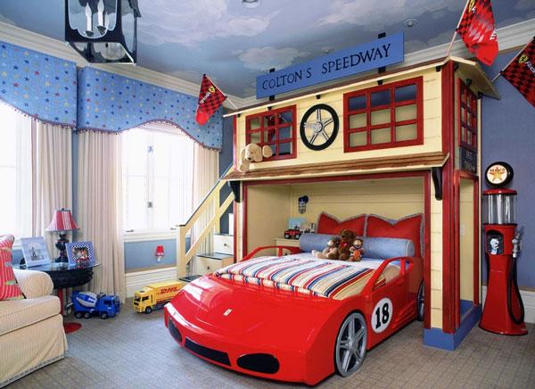 Комната для будущего гонщика.