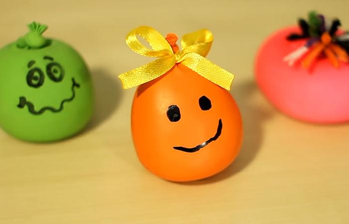 Мячик для снятия стресса можно сделать своими руками.