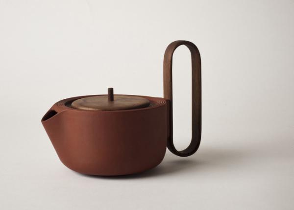 Заварочный чайник из сервиза Aureola.