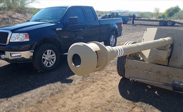 Противотанковая пушка vs джип.