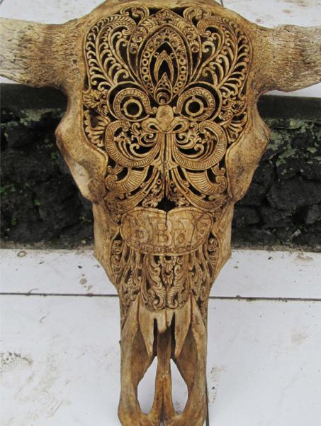 Буйволиный череп работы балийских мастеров.