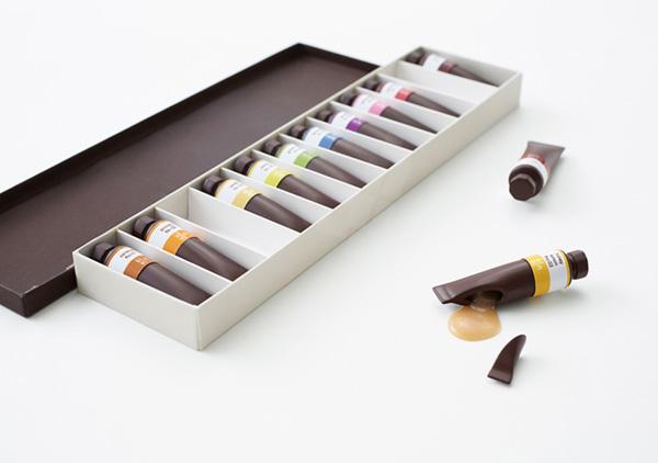 Это не масляные краски, это конфеты.