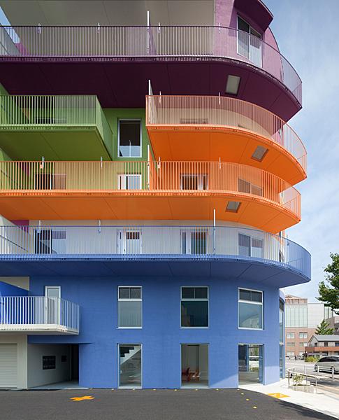Дом Окадзаки - флагман цвета.