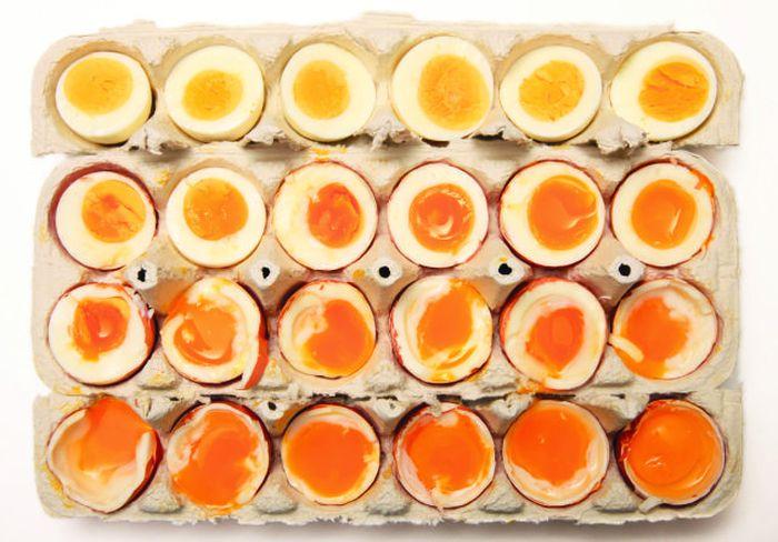 Яйца, которые вынимались через каждые 30 секунд после закипания воды.