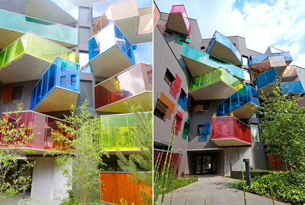 Фасад с яркими балконами-террасами.