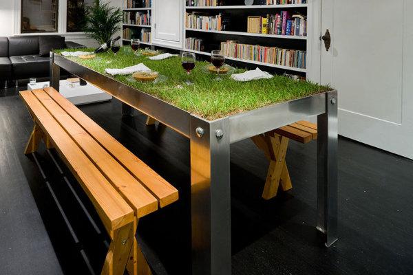 Стол для пикника в домашних или офисных условиях.