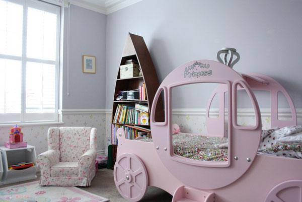 Кровать-карета. Вариант комнаты для девочки.