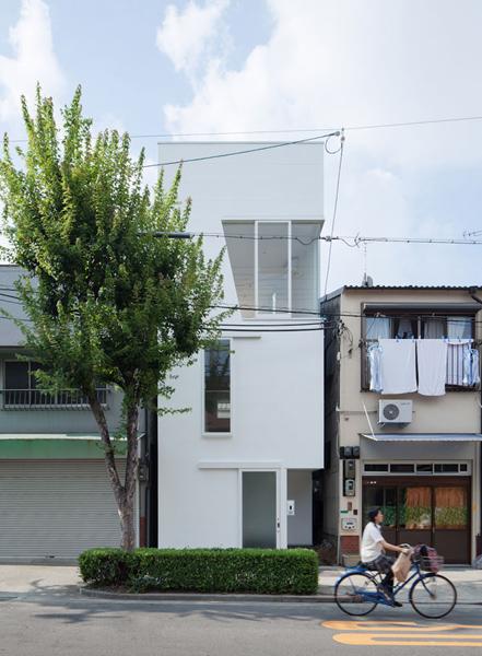 Фронтальный вид  дома Tamatsu.