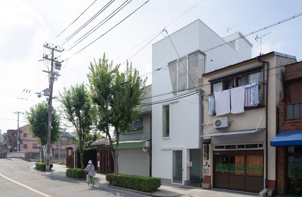 Tamatsu дом. Экономичное решение пространства.