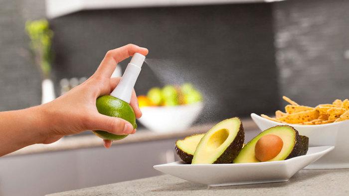 Пульверизатор, который берет сок прямо из плода.