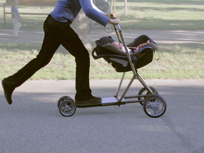 Детская коляска-самокат.
