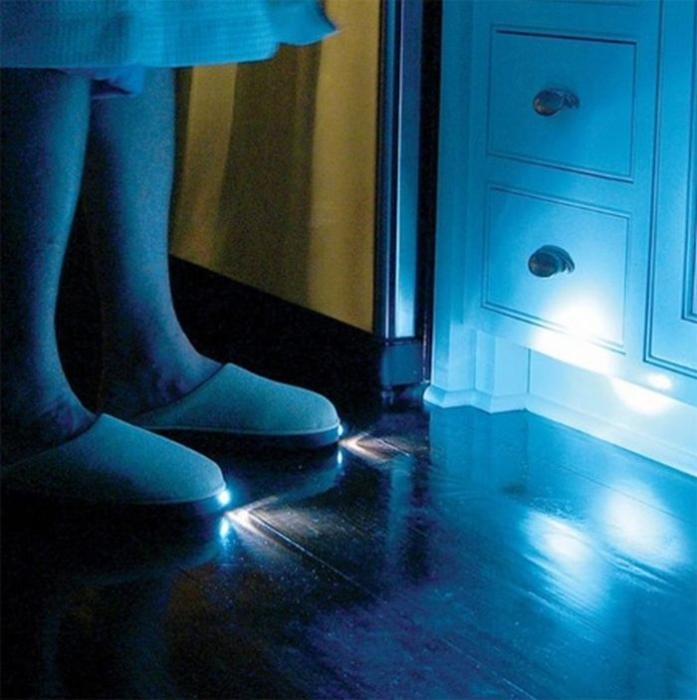 Домашние тапочки с подсветкой.