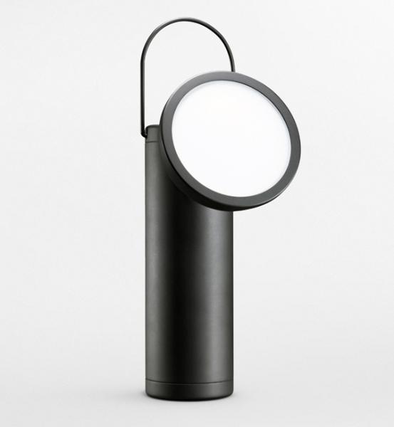 Фонарь, созданный по образу карбидных ламп шахтеров 19-го века.
