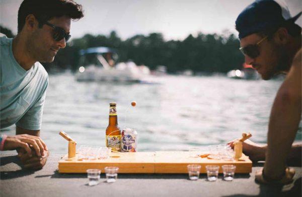 Мини Beer-pong - настольная игра для тех, кто пьет пиво.