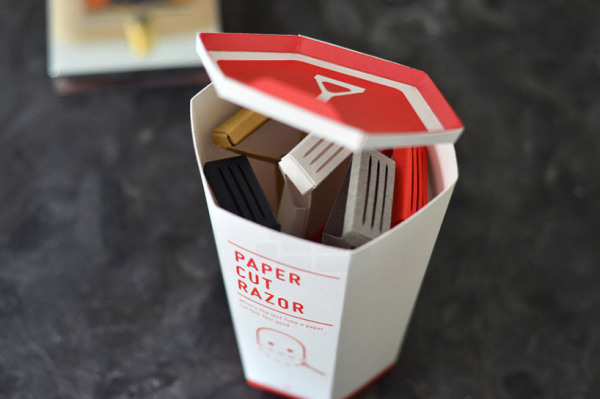 Набор бритвенных станков Paper Cut Razor.