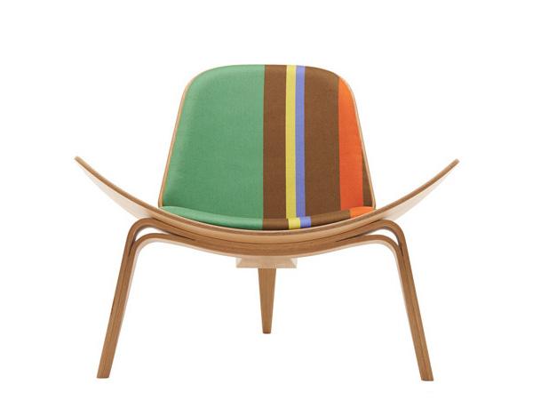 Кресло Shell с обивкой от Пола Смита.