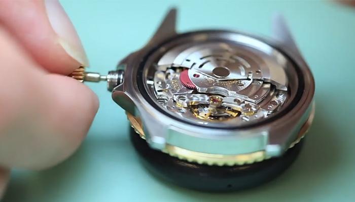 Как устроены часы для подводного плавания Rolex Submariner.