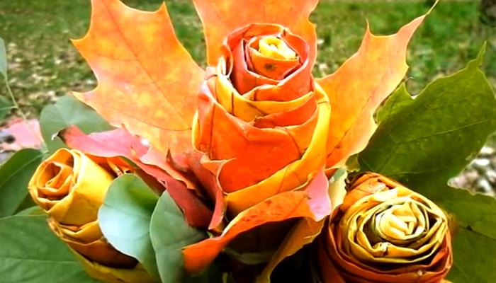 Розы из осенних кленовых листьев.