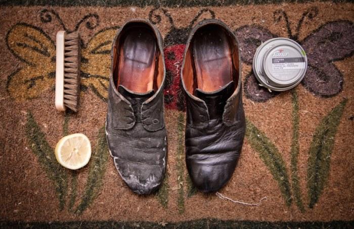 Как очистить обувь от дорожной соли?