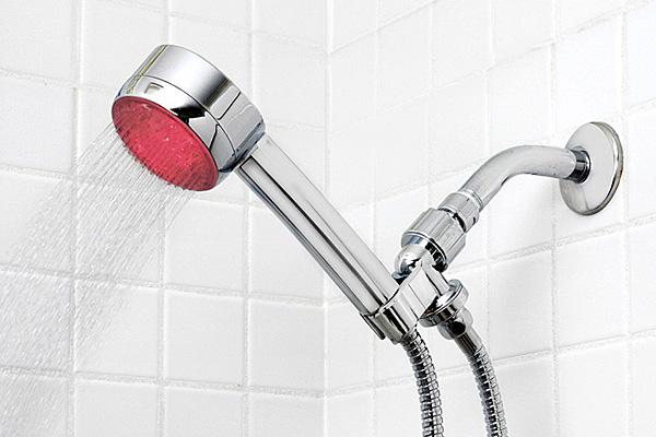 Насадка-индикатор классифицирует воду как «горячую».