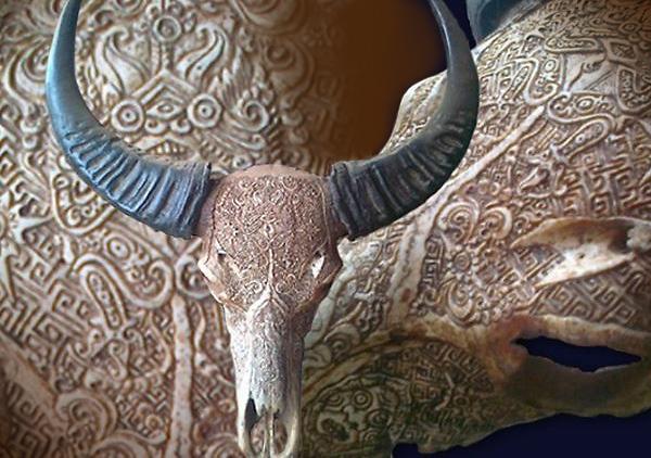 Резной череп буйвола. Остров Бали.