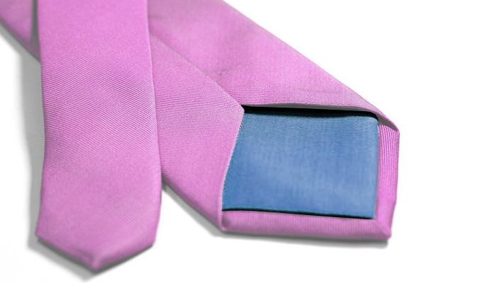 Как легко и быстро завязать узел галстука.