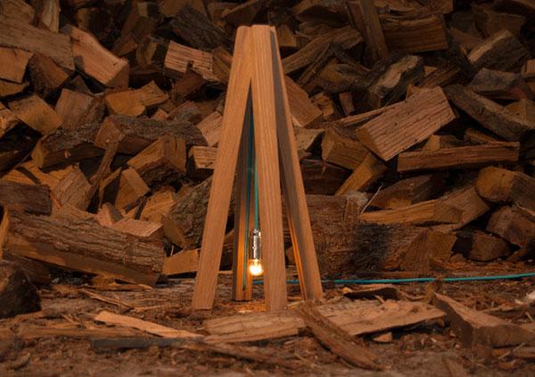 Лампа Tipi созданная по принципу индейской хижины.