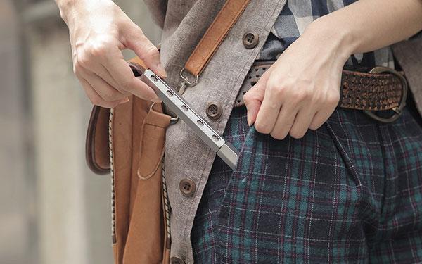 Pen Tool компактен. А для удобства на корпусе есть прорези, где видно в каком месте располагается нужная бита.