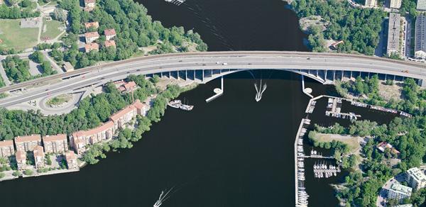 Существующий мост в Стокгольме, который предлагается реорганизовать.