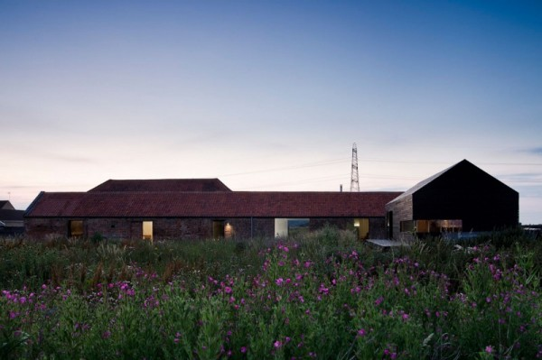 Жилой дом Ochre Barn. Реконструкция от Carl Turner Architects