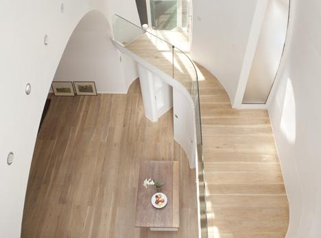 Archway Studios - дом и студия возле железнодорожного виадука в Лондоне