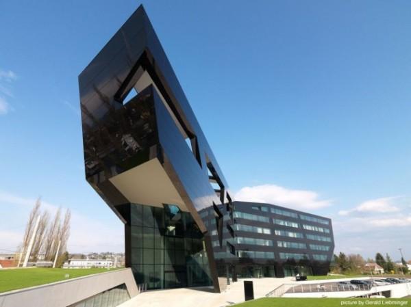 Штаб-квартира Black Panther для австрийской ювелирной компании Uniopt Pachleitner Group