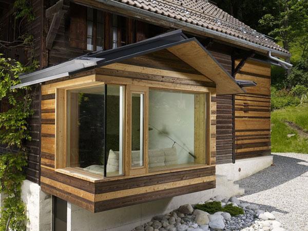 Chalet Noisettes - расширение старинного шале в швейцарских Альпах